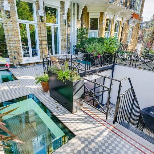 Airlie Gardens flat 1-26